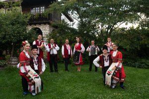 фолклорна програма с оркестър емона